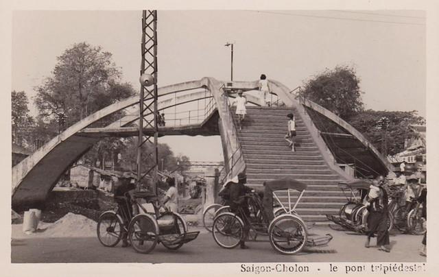 SAIGON-CHOLON 1965 - Le pont tripiédestal - Cầu Ba Cẳng