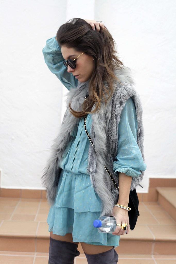 017_vestido_turquesa_y_botas_altas_girses_casual_look_theguestgirl_fashion_blogger_barcelona