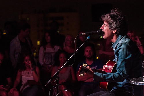 Mikel Erentxun. Live The Roof - Valencia