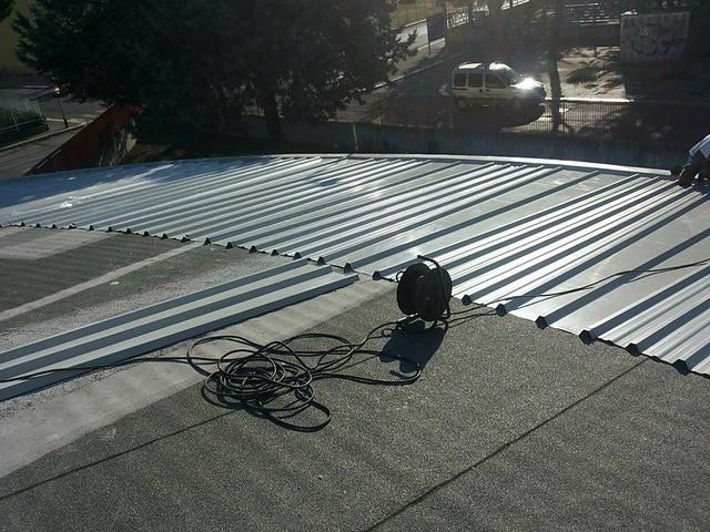Casamassima-Il cappotto termico sul tetto quasi completato