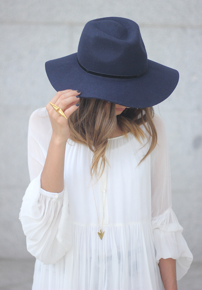 Blue Hat WHite Blouse Pink Pale Wedges Outfit12