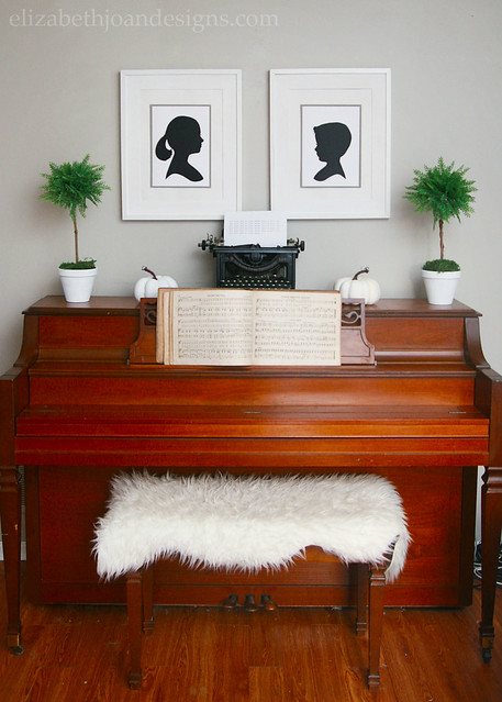Fall Piano Decor