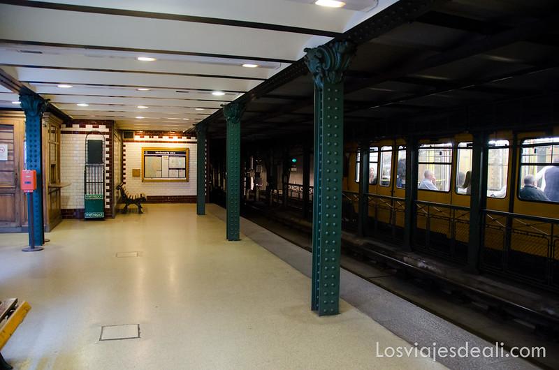 cómo moverse por Budapest metro línea 1