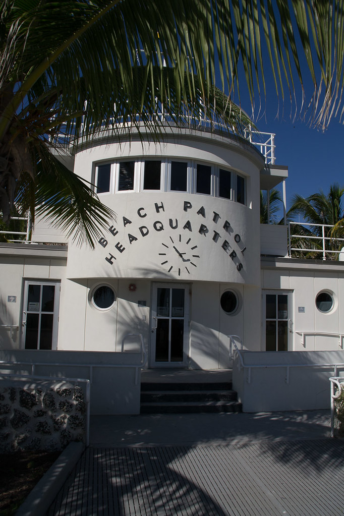 Beach Patrol Headquarters Building on Art Deco tour | Miami Beach