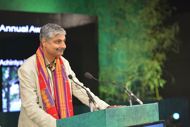 Mr. Vivek Menon Executive Director  & CEO Wildlife Trust of India & Chairman of IUCNs Asian Elephant Specialist Group addressing the audience after Presenting the Annual Award