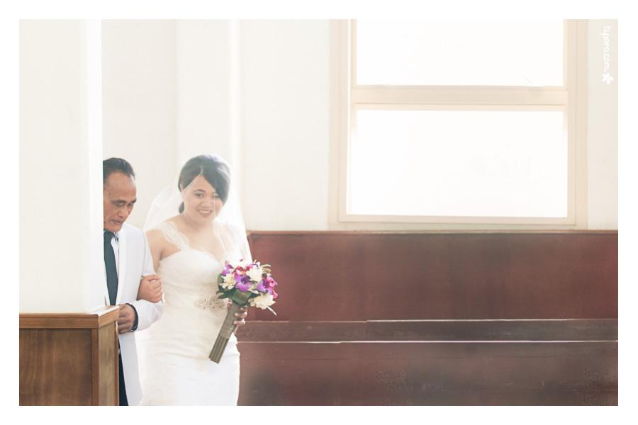 The Bride's Entrance. processional, wedding entrance photos