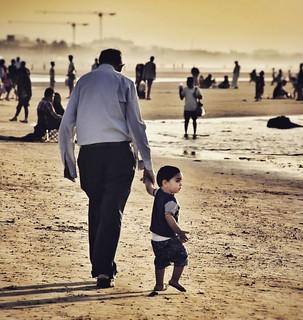 الوقت لا يكفي لعقد رهان .. بيني وبين الموت خيط دخان #مسقط #عمان #muscat #Oman
