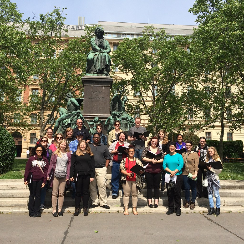 McLennan College Choir singing in front of Beethoven statue