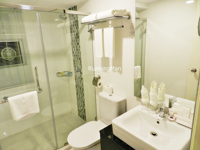 Maritime Waterfront Hotel 03 - Bathroom