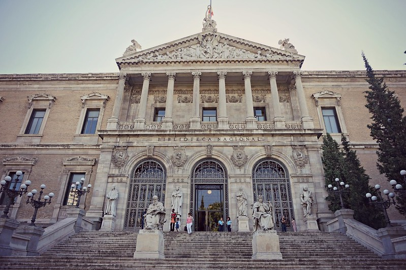 http://hojeconhecemos.blogspot.com.es/2015/09/biblioteca-nacional-madrid-espanha.html