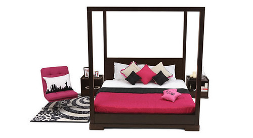 Trend Poster bed from Urban Ladder