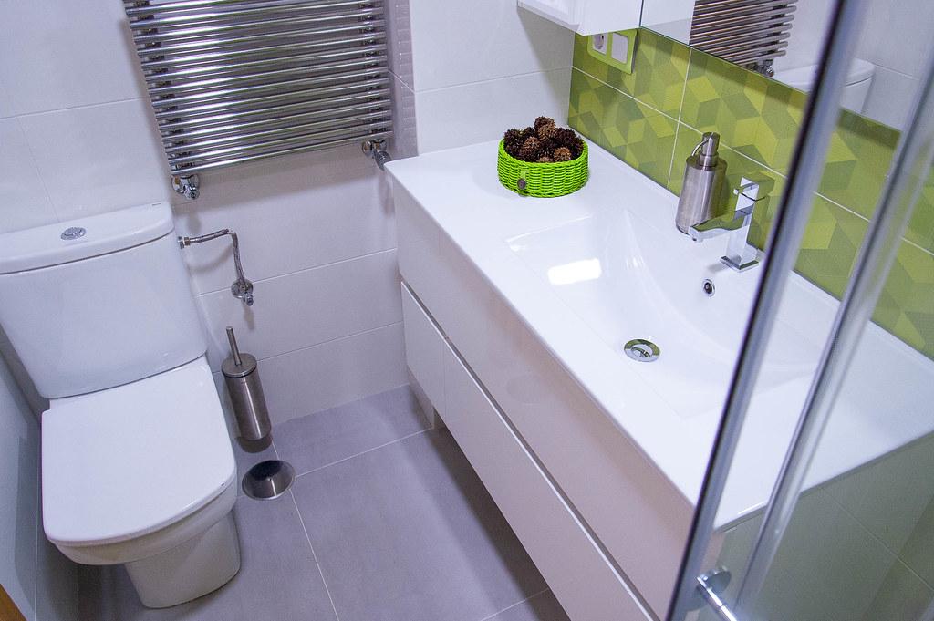 lavabo con inhodoro y radiador
