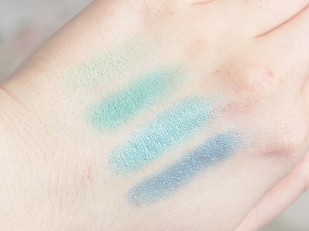 Makeup Revolution Mermaids Vs Unicorns Palette (1)