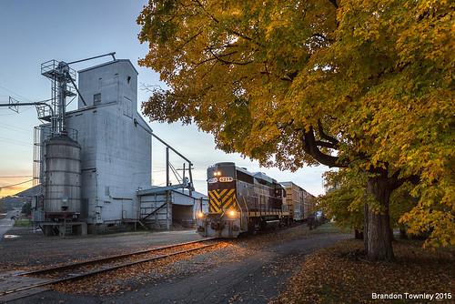 railroad fall mill sunrise fallcolors trains bluehour oc utica grainelevator uticaohio ohcr ohiocentra