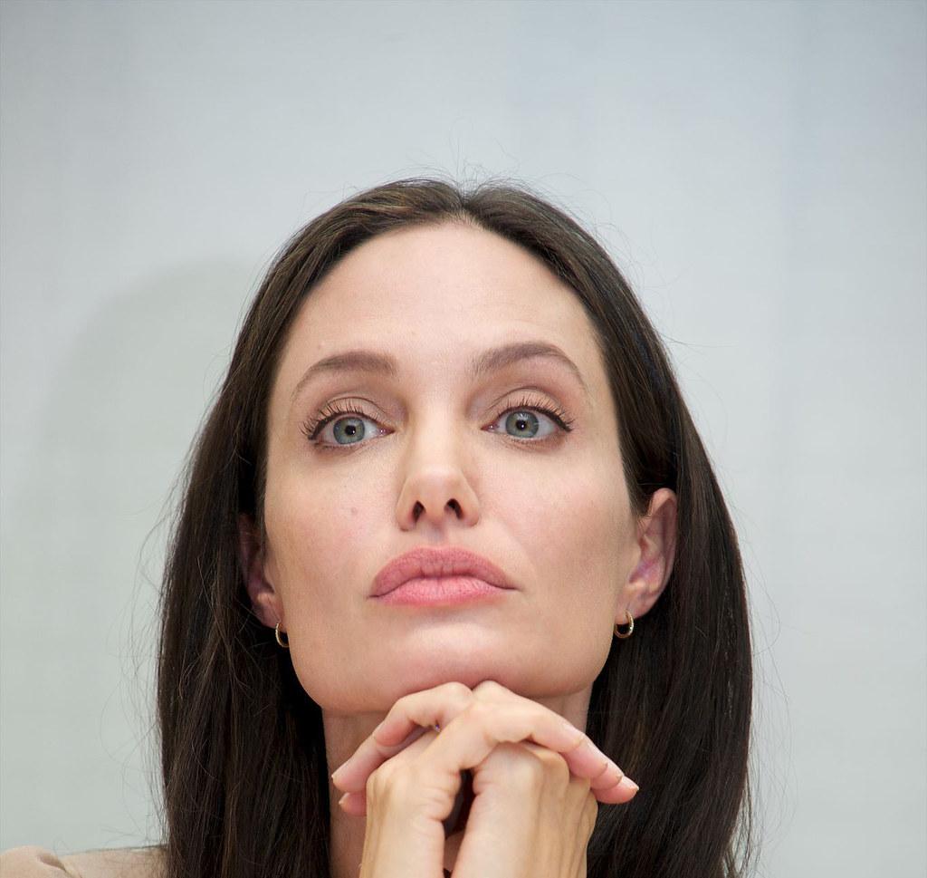 Анджелина Джоли — Пресс-конференция «Лазурный берег» 2015 – 12