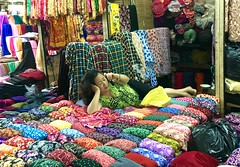 Dong Xuan Market