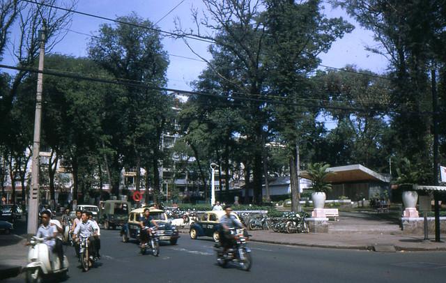 Pre-1975 Saigon - Công viên Chi Lăng - Ngã tư Tự Do-Lê Thánh Tôn