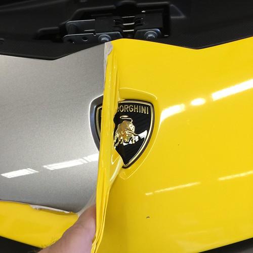 3M Lamborghini wrap removal