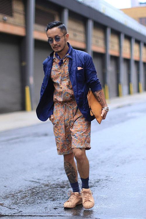 紺ジャケット×柄ハーフ丈つなぎ×adidasスーパーカラーサンド