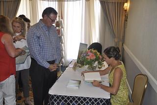 Vanessa-signing-Kurzava