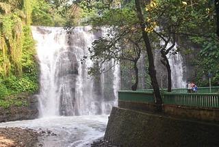 Hinulugang Taktak Falls