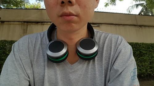 บิดหูฟัง 90 องศา แล้วเอา Panasonic RP-BTD10E-K ห้อยคอได้