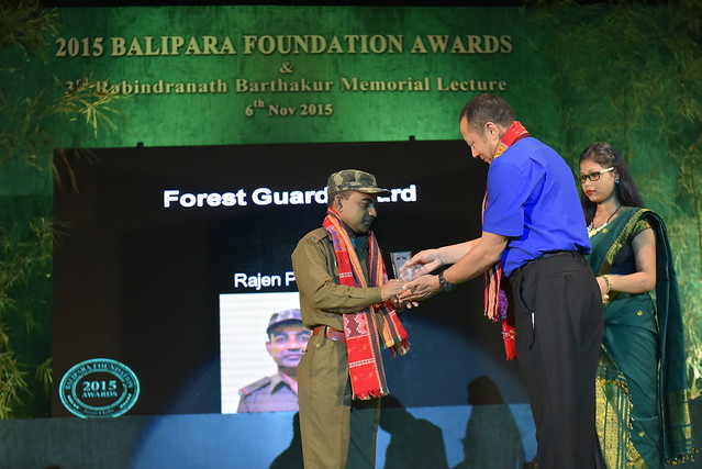 Rajen Panika receiving the 2015 Forest Guards Award from Mr. Sonam Wangchuk