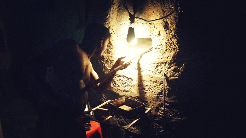 Poder Making Pao In A Kiln