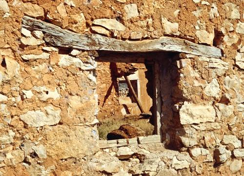Abandoned farmhouse near Campillo de Aragón