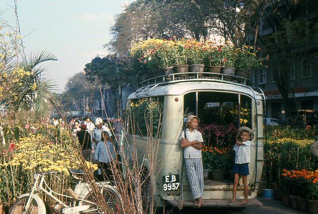 Pre-1975 Saigon - Chợ hoa Tết Nguyễn Huệ