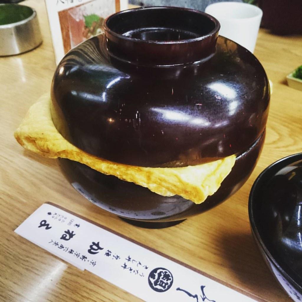 きんし丼!丼から溢れ出る錦糸玉子の下には、鰻丼あり。
