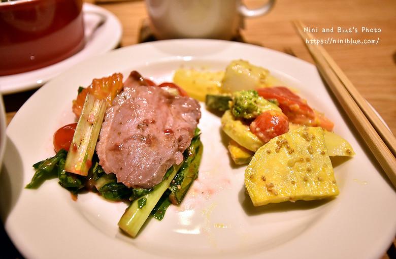29973851692 e012af4001 b - Muji Cafe & Meal無印良品美食餐廳台中店開幕瞜!