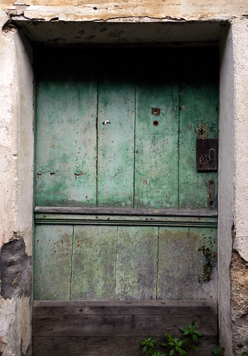 Green door in Mondoñedo