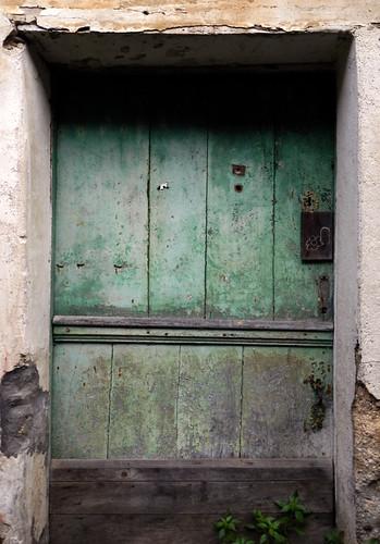 Green door in Mondoñedo