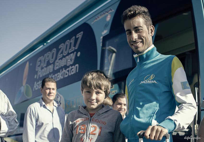 Con Fabio Aru ( la Vuelta 2015 )