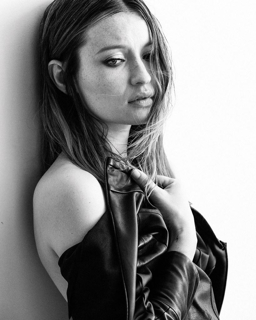 Эмили Браунинг — Фотосессия для «Interview» 2015 – 2