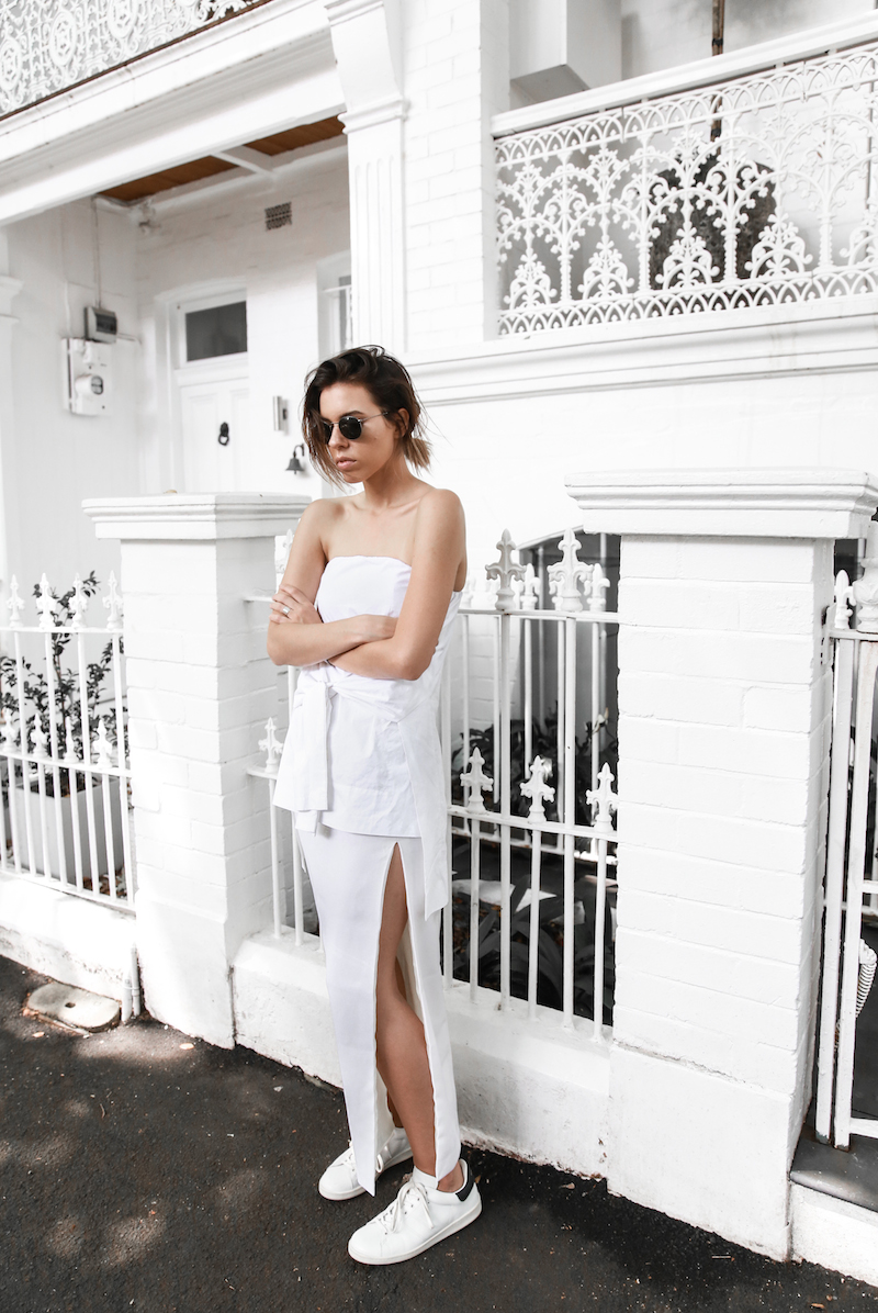 all white street style off duty fashion blogger one top three ways modern legacy farfetch inspo (7 of 13)