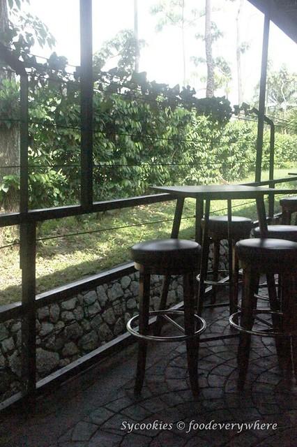 2.Black Mrket Restauran Kampung Pandan