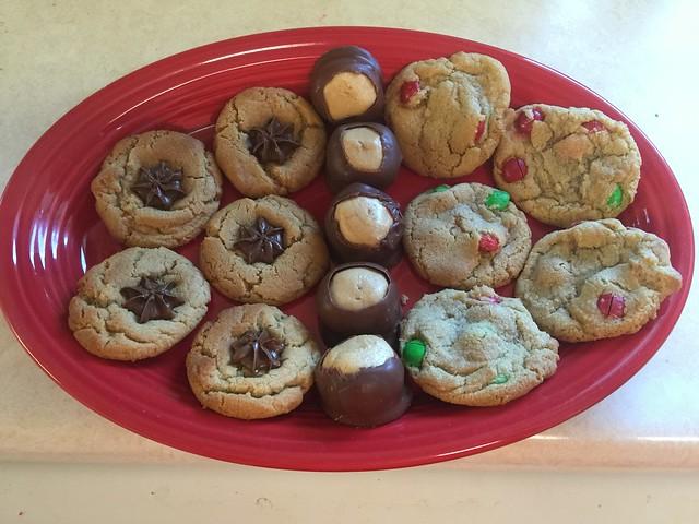 "Christmas Goodies: Peanut Blossom ""Kiss"" Cookies"