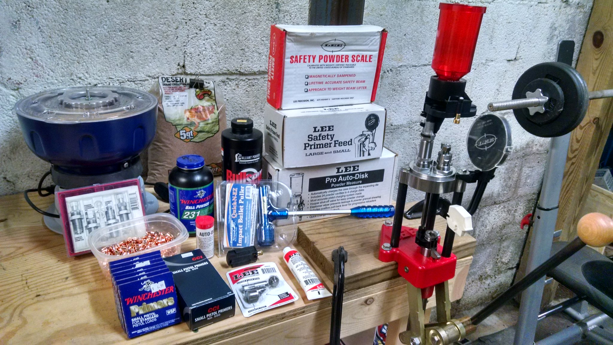 Sold - Lee Classic 4-Hole Turret Deluxe Kit and reloading supplies