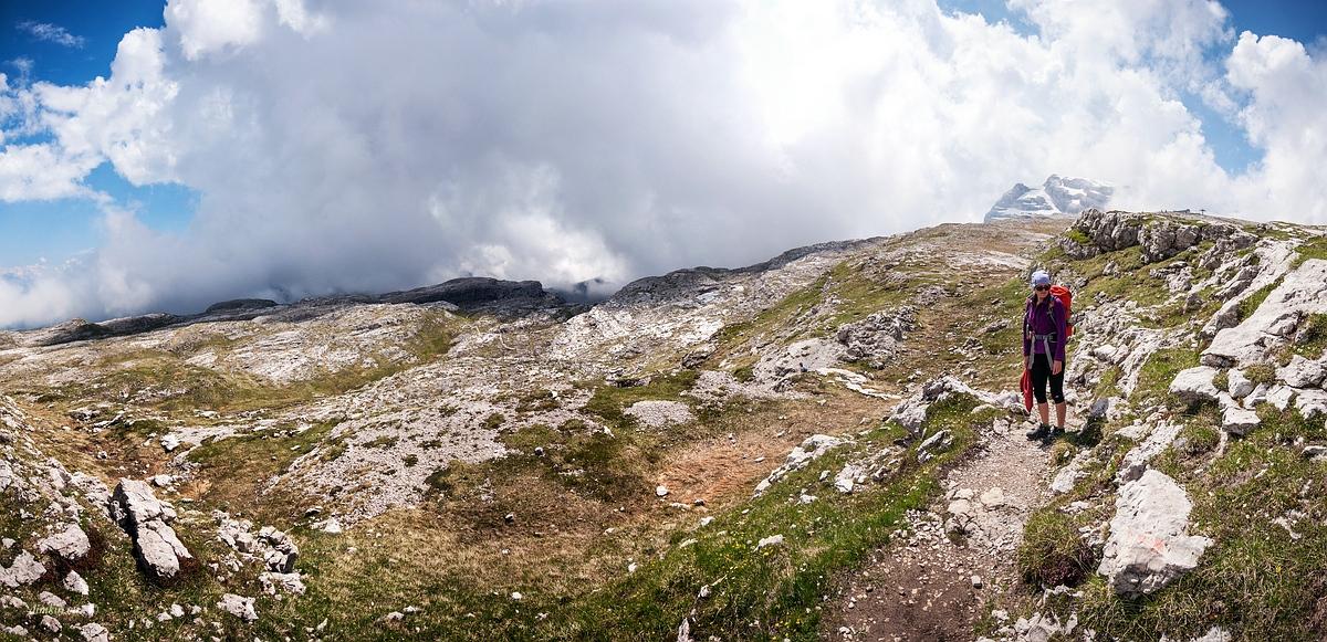 Tuenno, Trentino, Trentino-Alto Adige, Italy, 0.001 sec (1/1000), f/8.0, 2016:07:01 09:58:16+00:00, 14 mm, 10.0-20.0 mm f/4.0-5.6