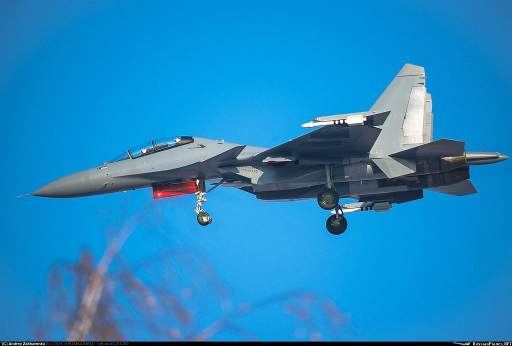 """الجزائر 2015  : تقتني 16 سوخوي 30MKA  وعقد لانظمة الدفاع الجوي  """"Antey -2500 """" - صفحة 9 30804913530_2dcd93d22b_b"""