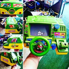 Never seen this before, a #teenagemutantninjaturtles driving game! #vintage #80s #toyfinds #toyhunting #toyhustle #toyhorder #90s #actionfigures #ToyGameTedDibase #RagingNerdgasm #TomKhayos #ToyGameScroogeMcDuck #convention #tampa #partywagon
