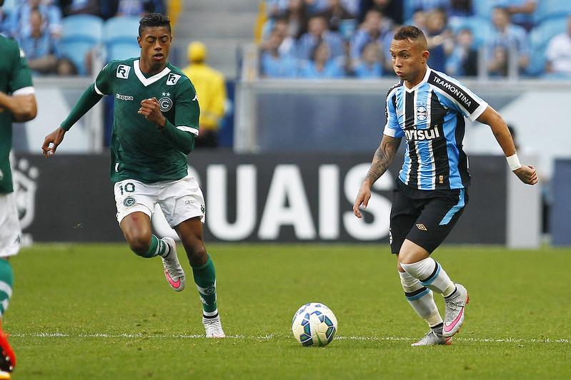 Grêmio 2 x 1 Goiás em 2015 (Foto  Lucas Uebel Grêmio FBPA) 53bda552fdf