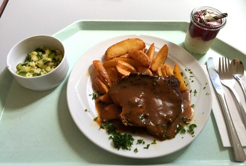 Pepper pork steak with wedge potatoes / Pfeffersteak vom Schweinenacken mit Wedge Potatoes