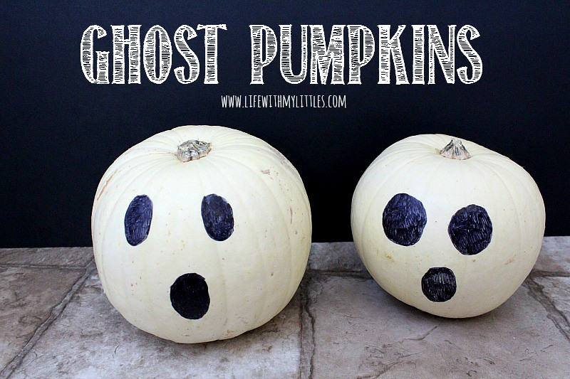 20 ghost crafts and recipes that are perfect for Halloween! A great roundup of crafts for all ages, meals, and desserts that will leave you feeling spooky!