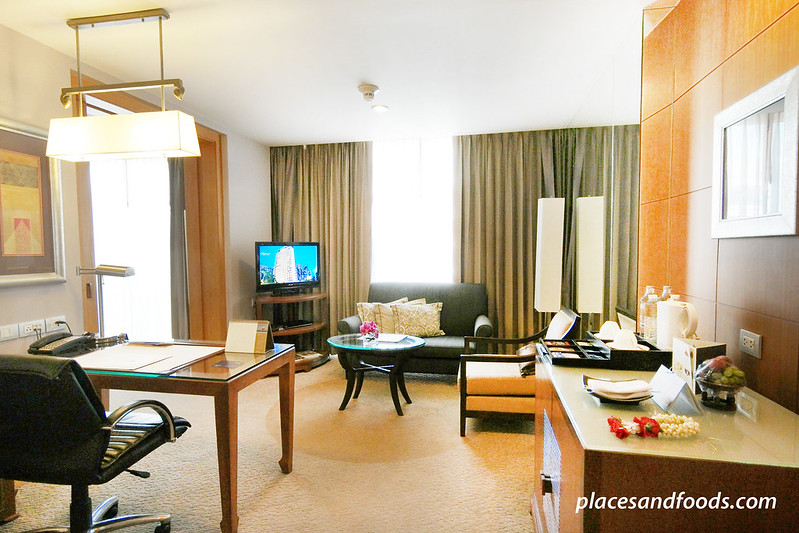 dusit thani room living hall