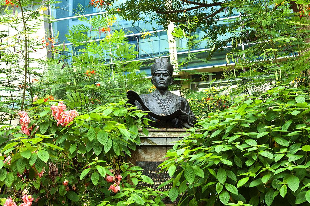 Statue--Singapore