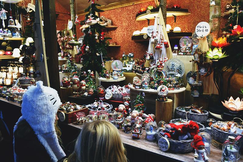 Gift stall