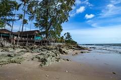 I love a quiet beach, I love a bustling city. #travel #thailand #kohlanta